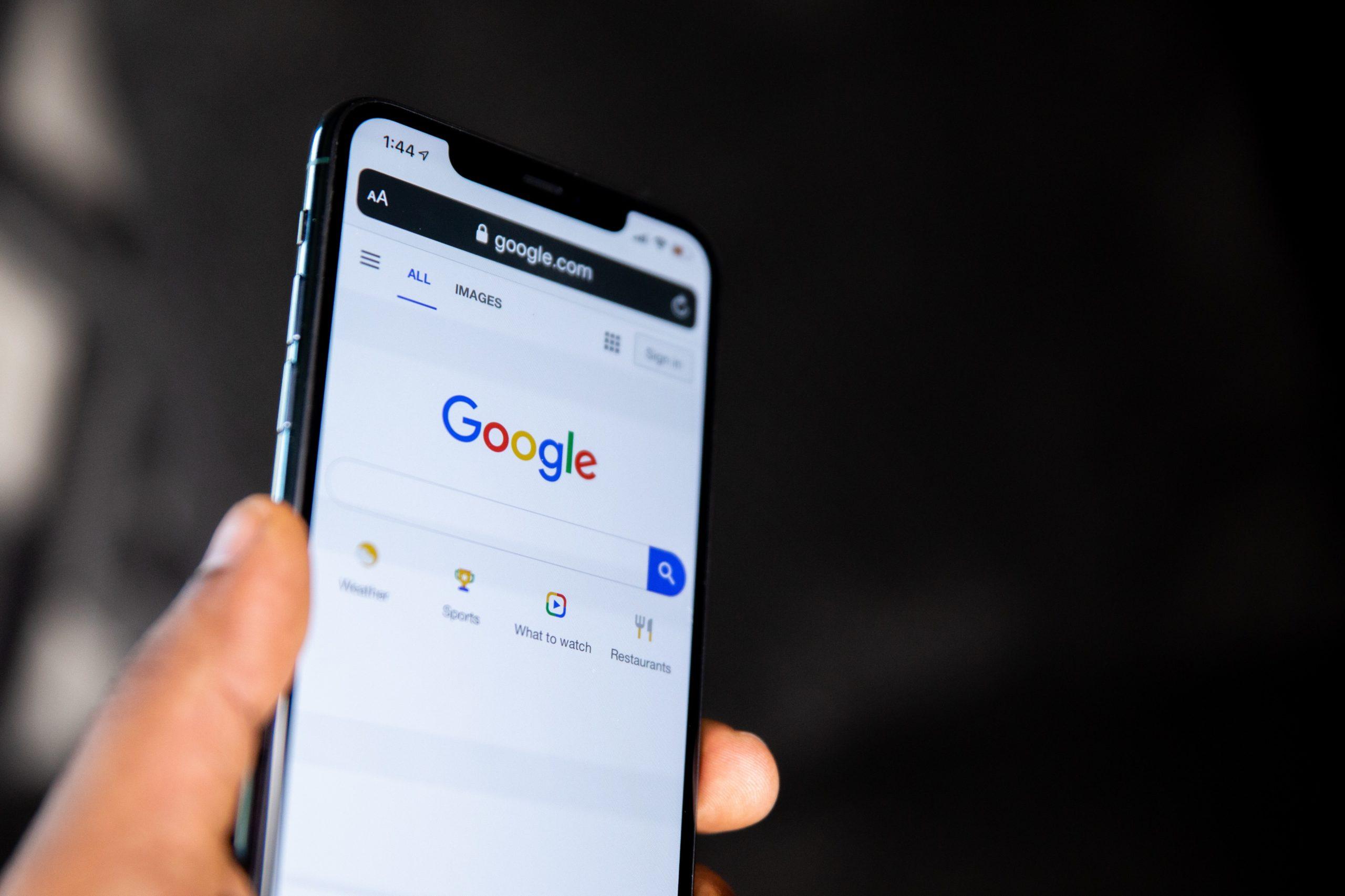Jon Kabat-Zinn leads a talk about Mindfulness at Google